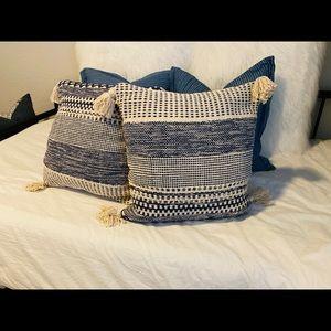 2 Navy Pillows